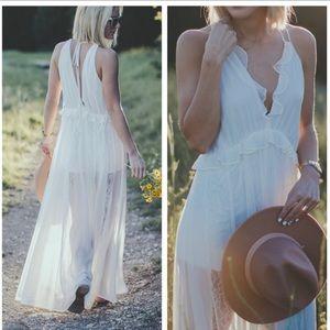 SALE$ 🆕 RARE WHITE MAXI DRESS W ROMPER